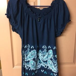 Lady's short sleeve blue shirt